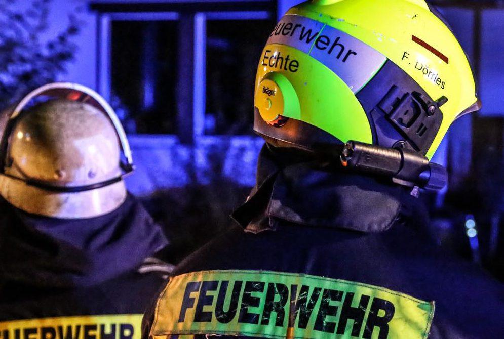 Container bei Firma Bosch in Willershausen in Flammen