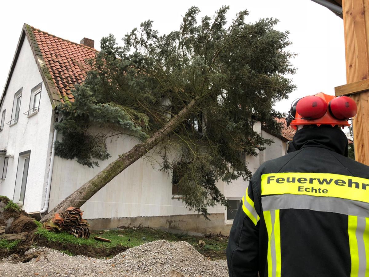 Nach Sturm Friederike: Kreisbrandmeister Kühle dankt Helfern