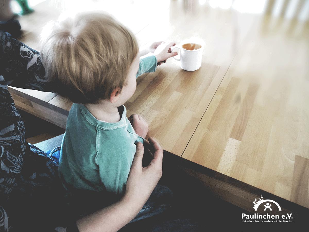 Kalte Jahreszeit: Gefahr durch Verbrühungen für Kinder hoch