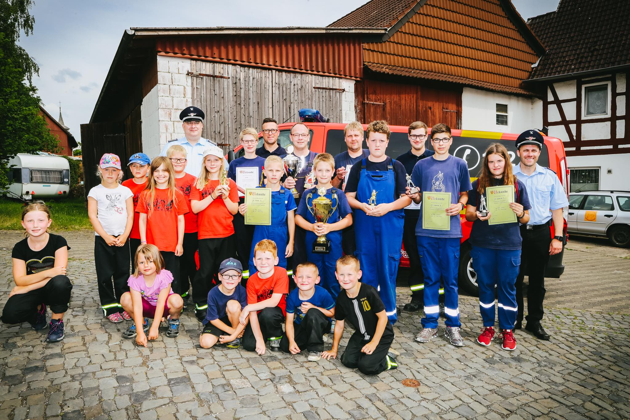 Oldershausen und Echte siegen bei Orientierungsmarsch in Dögerode