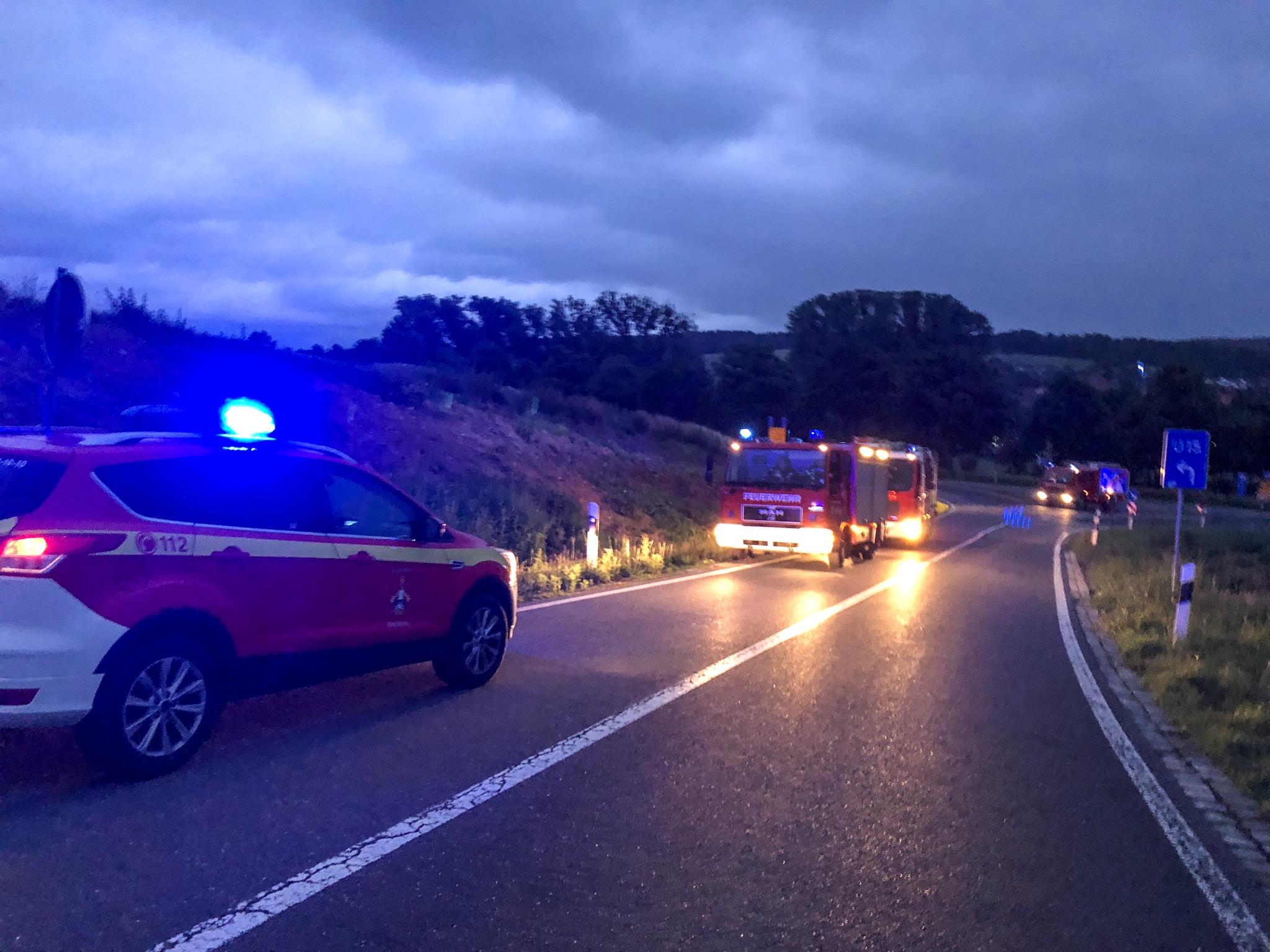 Drei Feuerwehren suchen nach Flächenbrand an A7