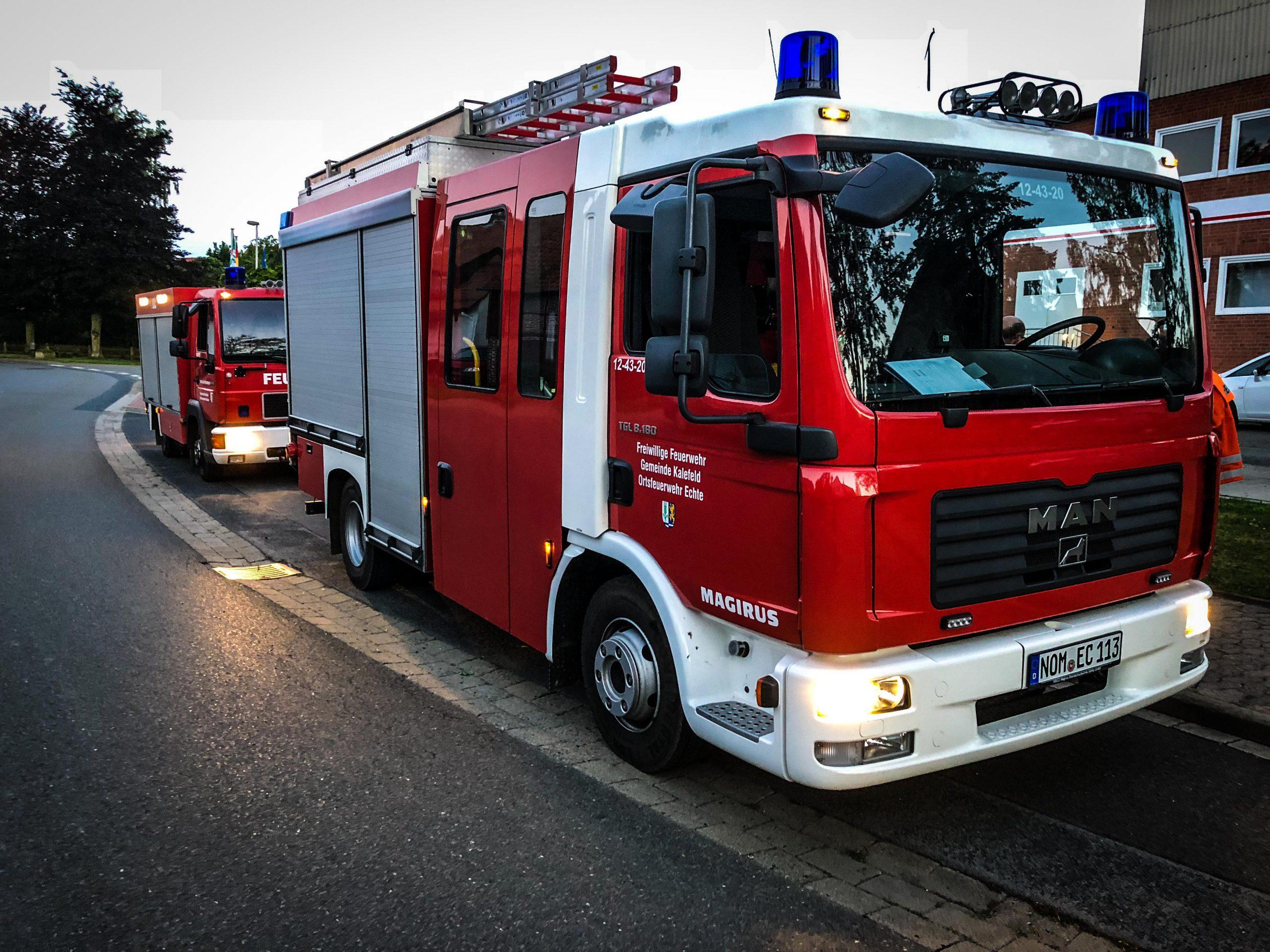 Dunkle Rauchsäule: Feuerwehren suchen in Düderode nach Brand